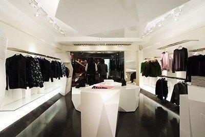 Ticari Görsel Düzenleme, Alan Planlamalarında Dünya Standartları ve Moda Perakendecileri Üzerine